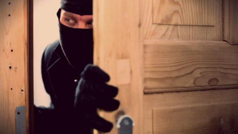 Отличие кражи от грабежа и разбоя