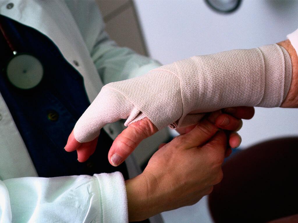 Травмы коленного сустава лист нетрудоспособности перелом суставного отростка нижней челюсти операция