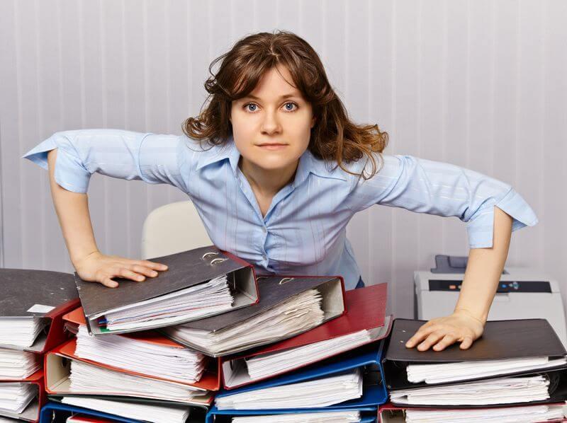 Увольнение главного бухгалтера по собственному желанию: особенности, отработка и сроки