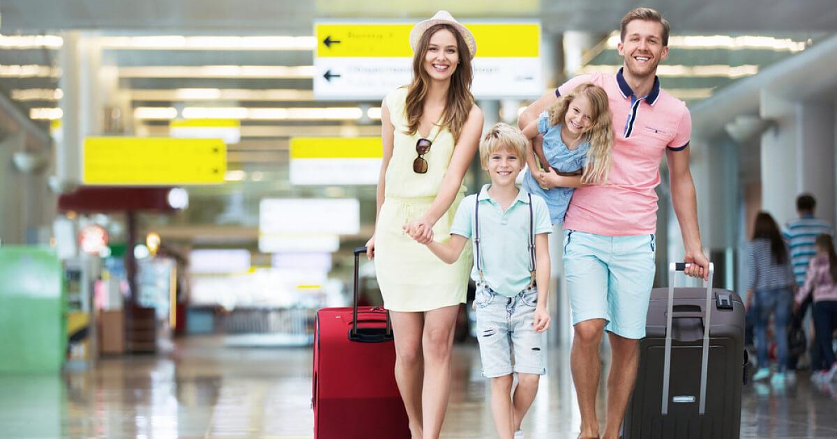 Правила выезда детей за границу при путешествии с двумя родителями