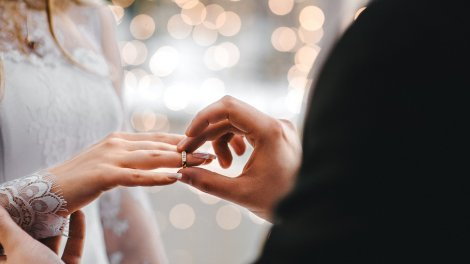 Как получить ВНЖ по браку