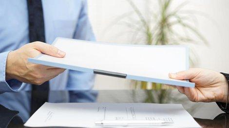 Какой пакет документов необходимо собрать для загранпаспорта старого образца