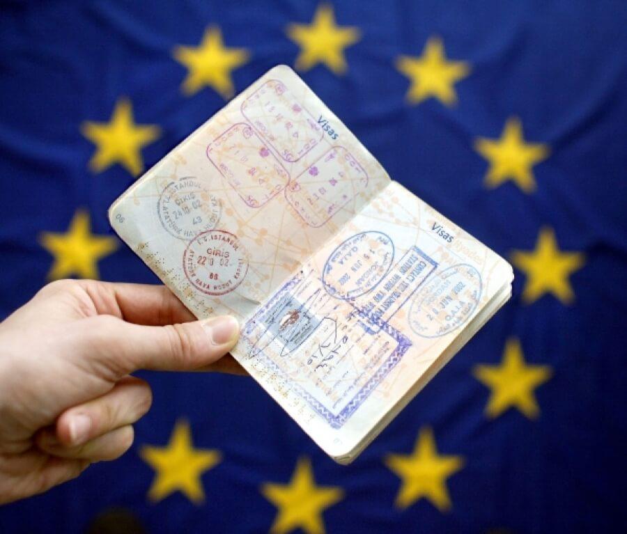 Сколько делается срочная Шенгенская виза