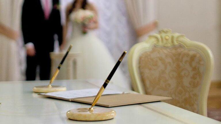 Законно ли делать брак за деньги