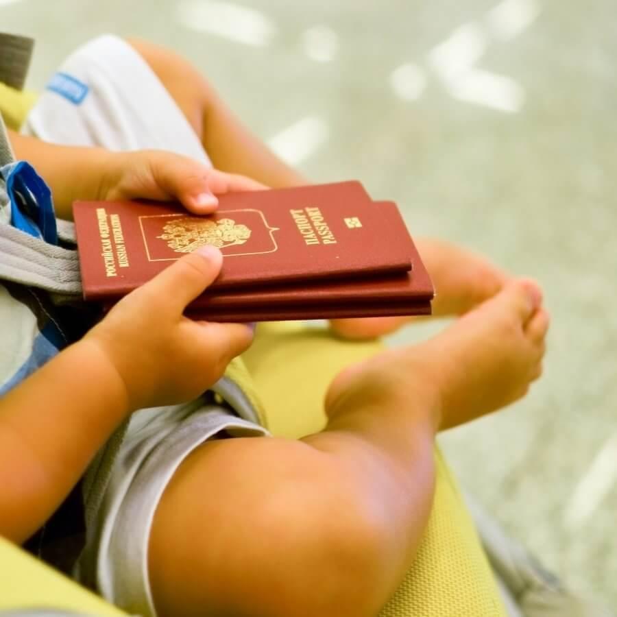 Особенности получения загранпаспорта ребенку без регистрации