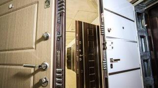 Нужно ли согласовывать установку металлической входной двери в квартиру